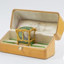 Faberge-Sedan-Chair-Green